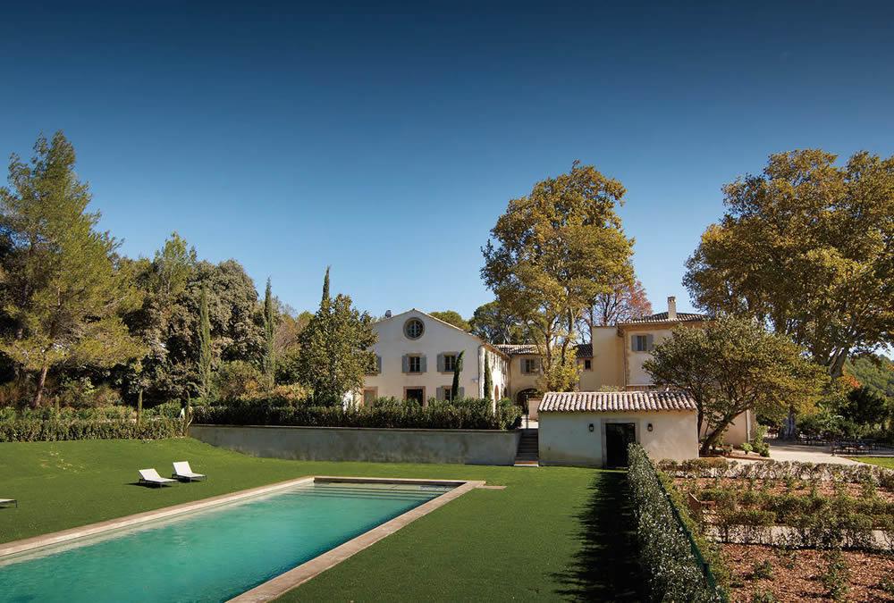 セカンドハウスの発想から生まれた南仏の複合施設