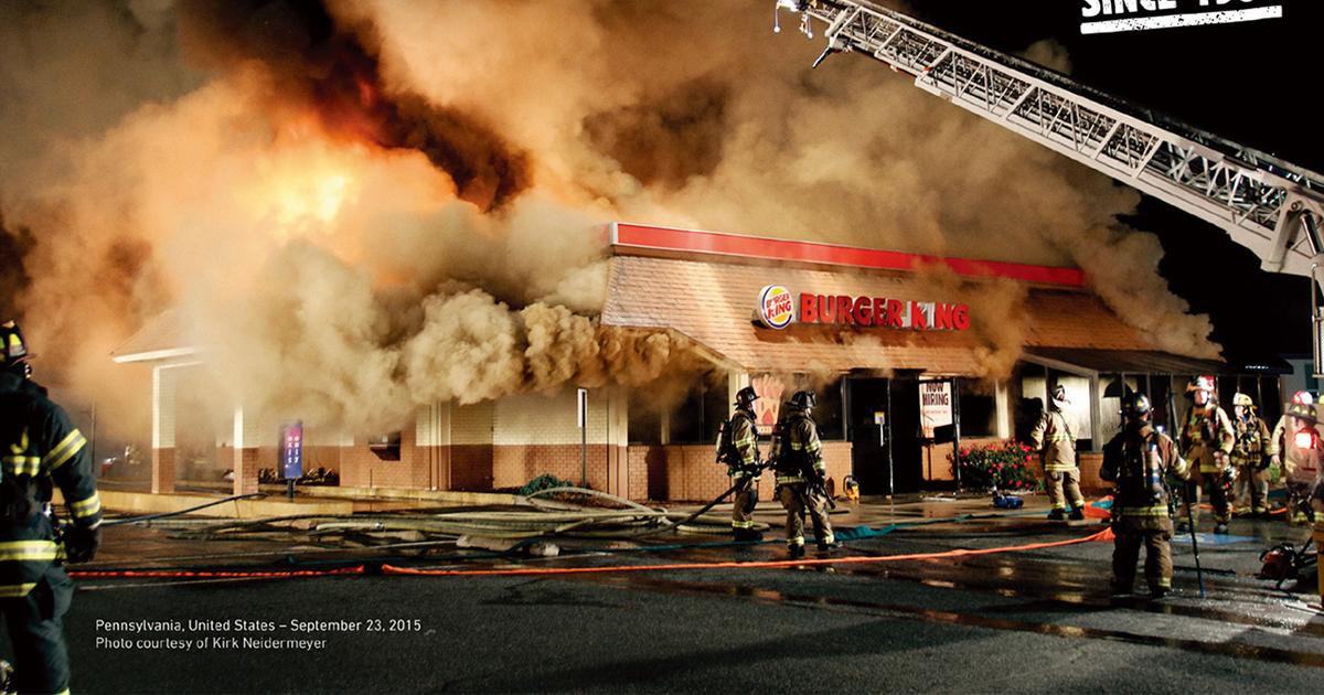 『店舗の炎上写真』をあえて使用した広告「BURNING STORES CAMPAIGN」