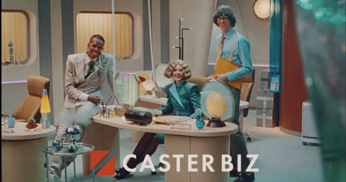 レトロフューチャーな世界観のCASTER BIZ初のテレビCM