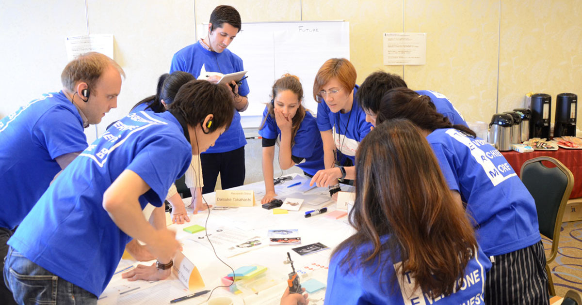 マクロミル、経営統合とグローバル化で従業員の「行動規範」共有
