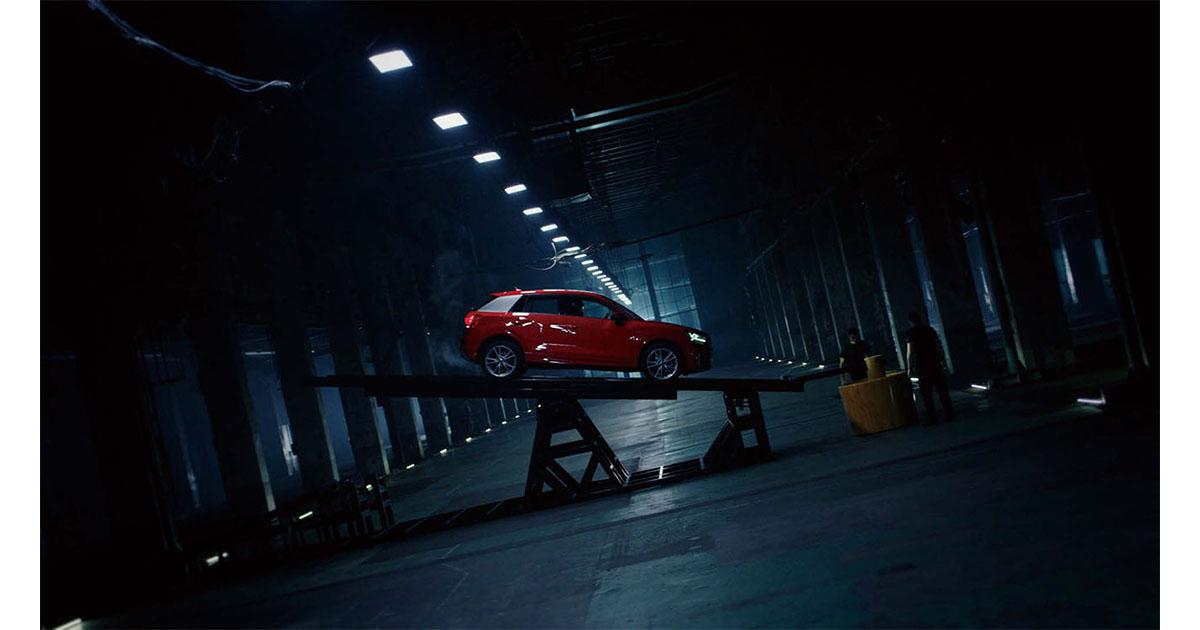 自動車が「餅つき」! 新しさを求める層に向けたアウディの動画プロモーション