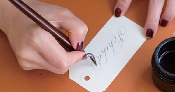なぜ、フランス人は「手書き」を重視するのか? 現代まで受け継がれるカリグラフィーの文化